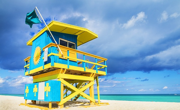 BUS-NY-FL Florida Miami Colorful Lifeguard Tower South Beach 174202358