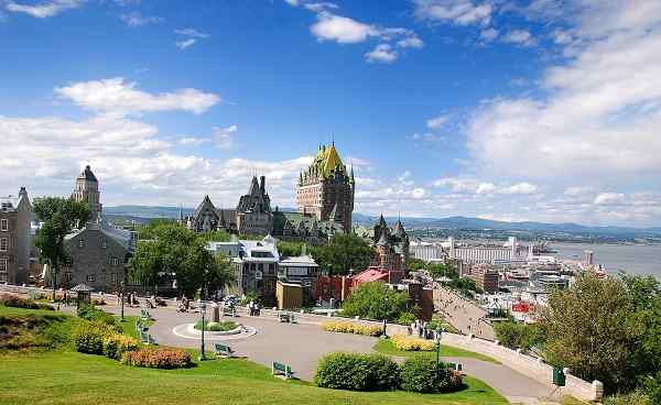 BUS-SIEDLER Kanada Quebec City View of old Quebec