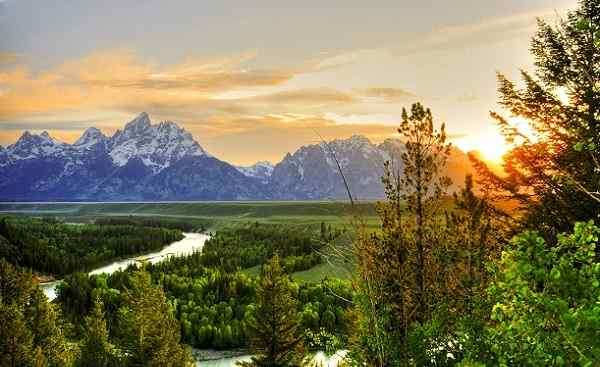 HARLEY-WILD-WEST Grand Teton National Park at Snake River overlook shutterstock 66420136