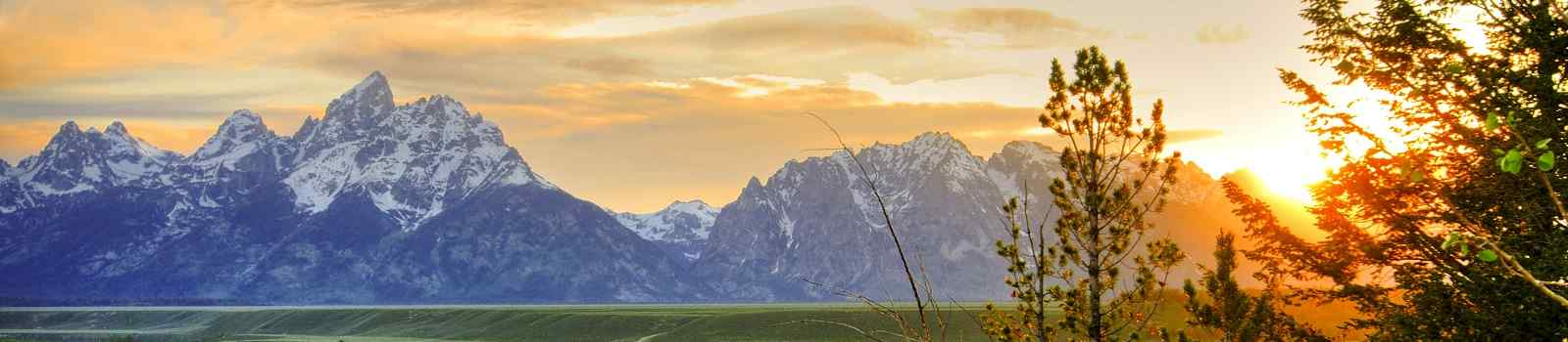 HERRLICHE-NATIONALP -Grand Teton National Park shutterstock 66420136
