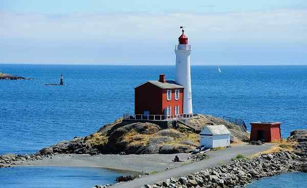 Kanada Victoria fisgard lighthouse at seashore  it is the first lighthouse built in vancouver island in 1860