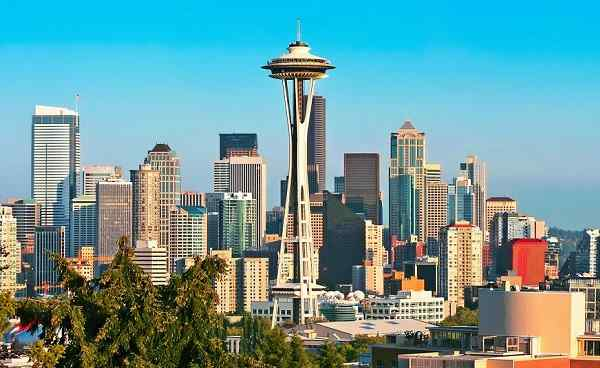 PAZIFISCHEN-NW-ENTDECKEN_Washington_Seattle_skyline_panorama_149670773.jpg