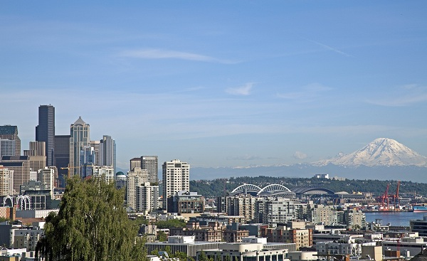SEATTLE-SEA Downtown Seattle and Mount Rainier  USA shutterstock 203835127
