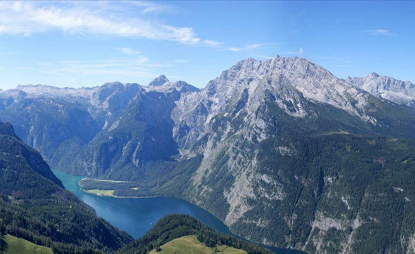 WAN-KS-HK Berchtesgaden Alps and the Koenigssee  blue sky and white clouds  panorama image Panorama of the mountain lake Koenigsse shutterstock 93091720