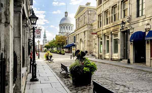WELT-CITY-EAST Old city Montreal shutterstock 214223128